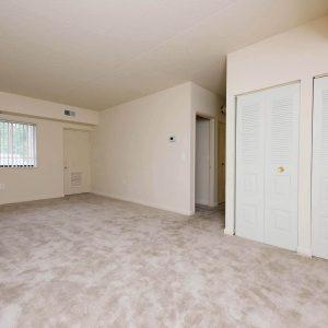 Montgomery Club Apartments bedroom