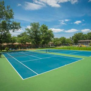 Montgomery Club Apartments tennis court